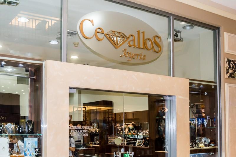 38f3194516e6 Riocentro Shopping Centro Comercial Los Ceibos